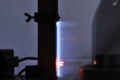Produktion von Thermoskannen, Isolierkannen, mit Hintergrundbeleuchtung, Industriefotografie, Produktfotografie, Schmelz Fotodesign