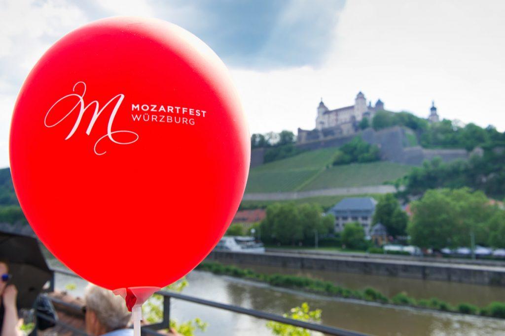 Schmelz Fotodesign, Mozartfest Würzburg, Festung Marienberg, Stadtaufnahme Würzburg, Luftballon Mozartfest, Eventfotografie